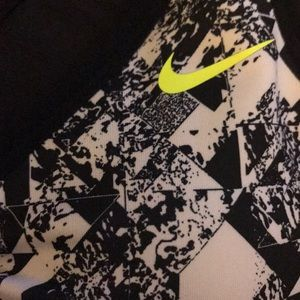 Nike black & white print mesh back sports bra xl